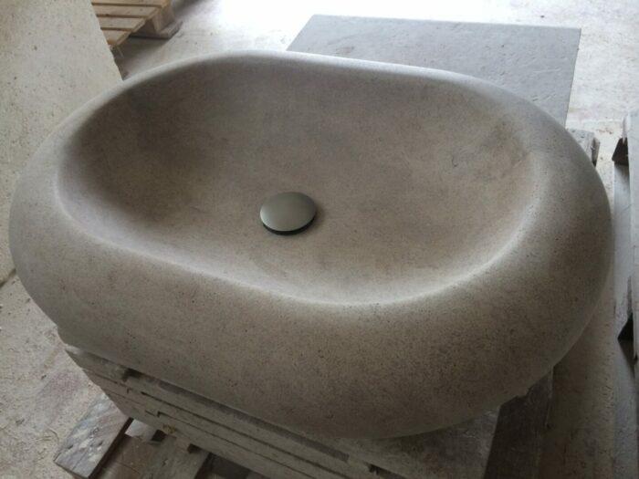 Vasque galbée en pierre de Bourgogne