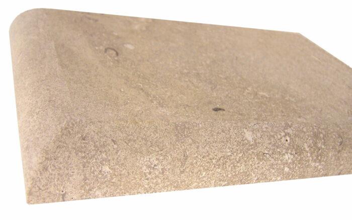 Quart de rond sur plan de travail en pierre naturelle