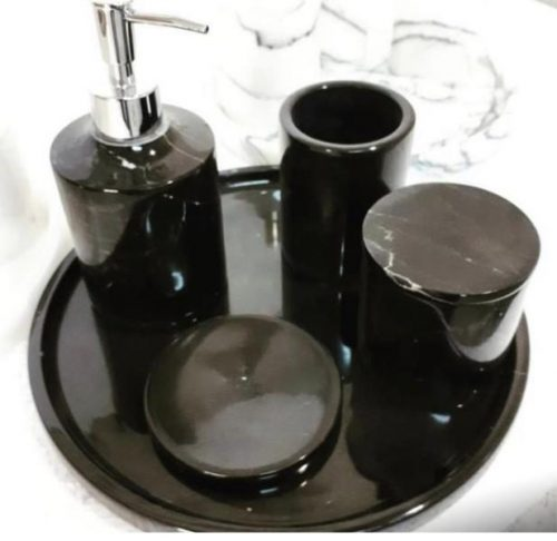 Set en marbre noir poli
