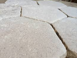 Tomette bombée pierre naturelle
