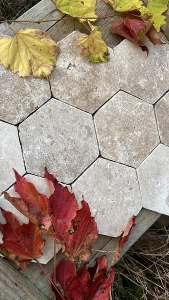 Tomette hexagonale en Travertin