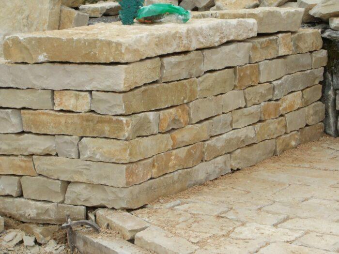 Parement pierre de BOURGOGNE muret+couverte